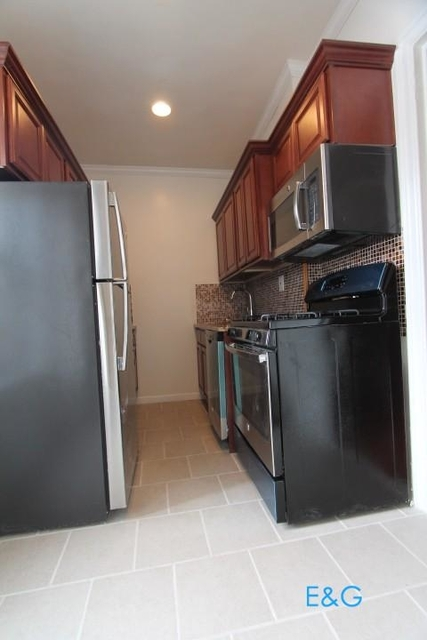 2 Bedrooms, Washington Heights Rental in NYC for $2,108 - Photo 2