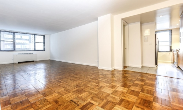 2 Bedrooms, Hell's Kitchen Rental in NYC for $4,721 - Photo 1