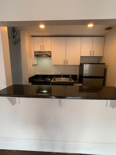 Studio, Upper West Side Rental in NYC for $3,175 - Photo 2
