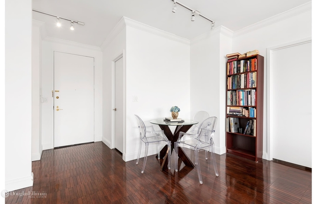2 Bedrooms, Lincoln Square Rental in NYC for $9,000 - Photo 2