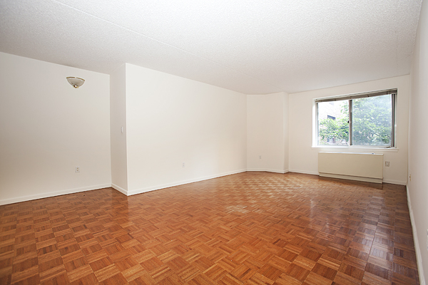 1 Bedroom, Battery Park City Rental in NYC for $3,163 - Photo 2