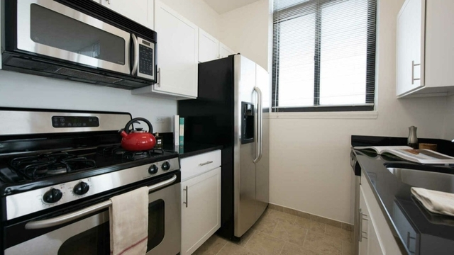 2 Bedrooms, Brooklyn Heights Rental in NYC for $5,400 - Photo 2