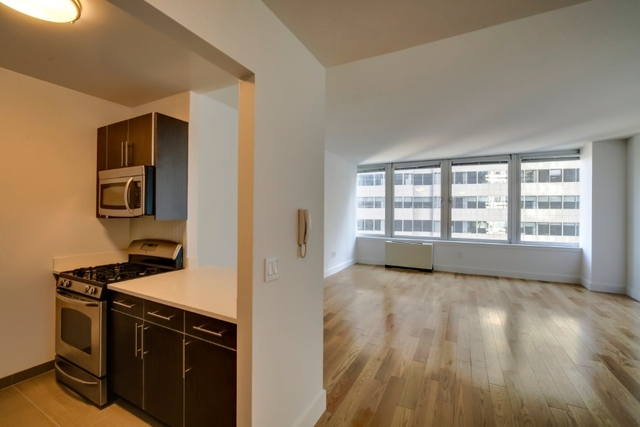 Studio, Financial District Rental in NYC for $3,299 - Photo 2