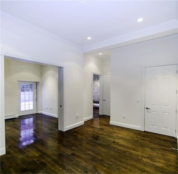 2 Bedrooms, Chelsea Rental in NYC for $4,416 - Photo 1