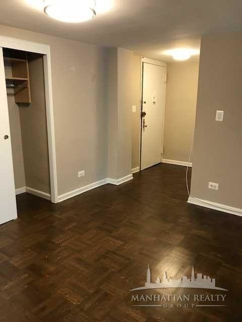 1 Bedroom, Yorkville Rental in NYC for $3,570 - Photo 2