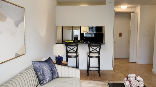 1 Bedroom, Financial District Rental in NYC for $3,637 - Photo 2