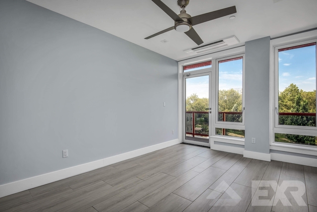 2 Bedrooms, City Line Rental in NYC for $2,400 - Photo 1
