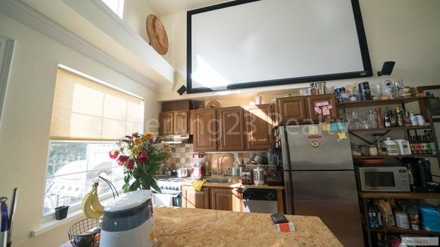 2 Bedrooms, Astoria Rental in NYC for $2,750 - Photo 2