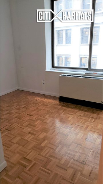 2 Bedrooms, Financial District Rental in NYC for $5,198 - Photo 2