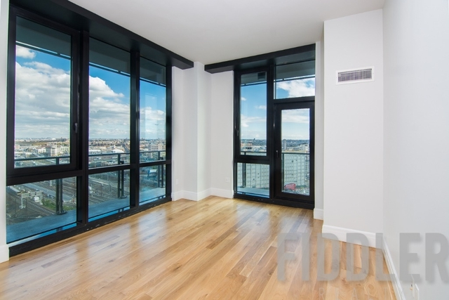 2 Bedrooms, Long Island City Rental in NYC for $4,575 - Photo 1