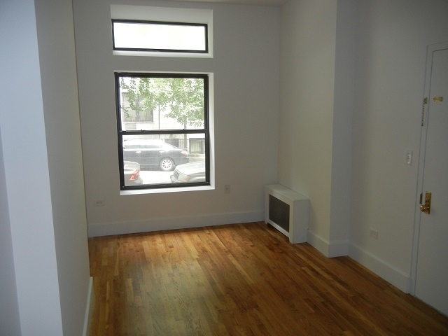 2 Bedrooms, Yorkville Rental in NYC for $2,303 - Photo 2
