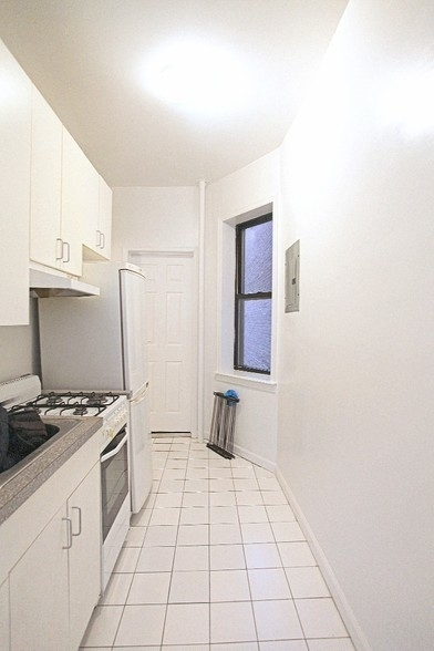 1 Bedroom, Murray Hill Rental in NYC for $2,325 - Photo 1