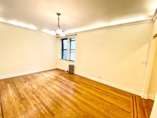 2 Bedrooms, Astoria Rental in NYC for $2,850 - Photo 2