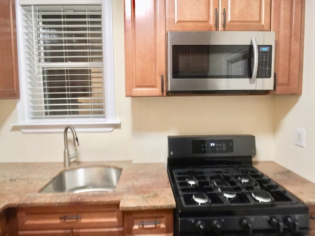 2 Bedrooms, Weeksville Rental in NYC for $2,250 - Photo 1