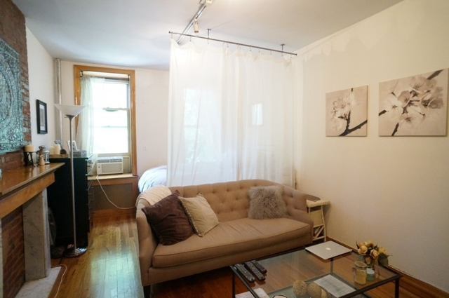 1 Bedroom, West Village Rental in NYC for $2,700 - Photo 2