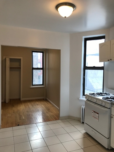 1 Bedroom, Chelsea Rental in NYC for $2,450 - Photo 2