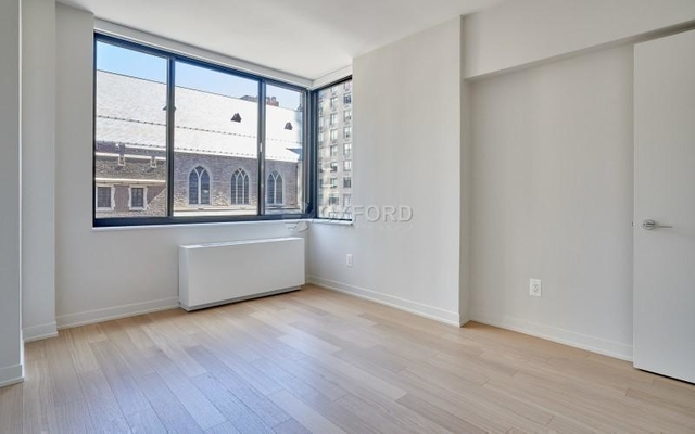 3 Bedrooms, Hell's Kitchen Rental in NYC for $7,030 - Photo 1