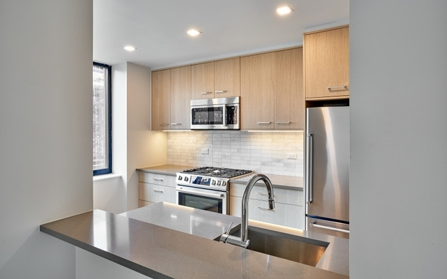 Studio, Hell's Kitchen Rental in NYC for $4,217 - Photo 2