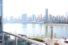 2 Bedrooms, Hunters Point Rental in NYC for $4,006 - Photo 2