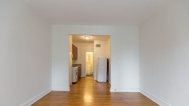 Studio, Yorkville Rental in NYC for $1,925 - Photo 2
