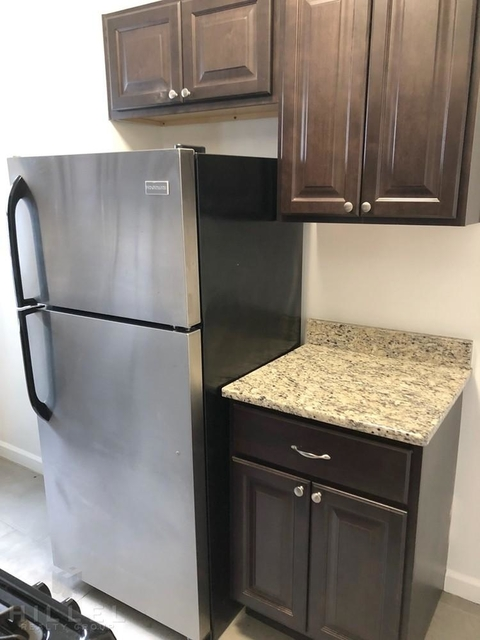1 Bedroom, South Corona Rental in NYC for $2,582 - Photo 2