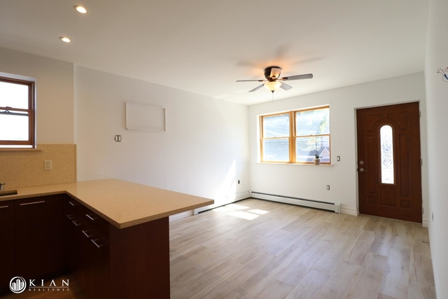 3 Bedrooms, Middle Village Rental in NYC for $2,450 - Photo 2