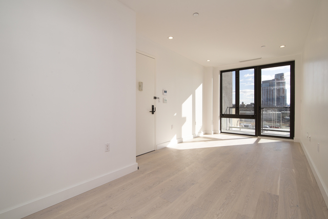 1 Bedroom, Hunters Point Rental in NYC for $3,200 - Photo 2