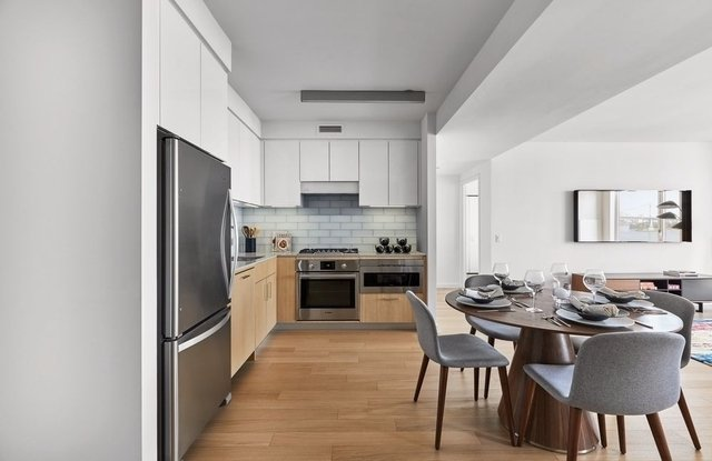 2 Bedrooms, Astoria Rental in NYC for $4,110 - Photo 1