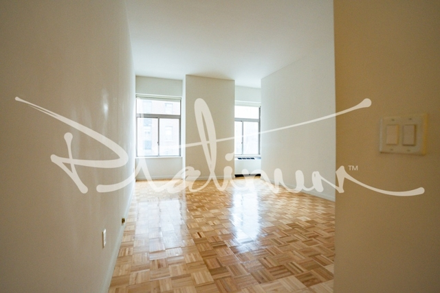 1 Bedroom, Financial District Rental in NYC for $4,242 - Photo 2