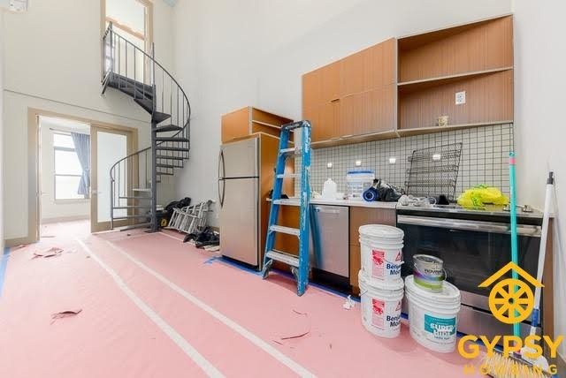 2 Bedrooms, Greenpoint Rental in NYC for $3,175 - Photo 2