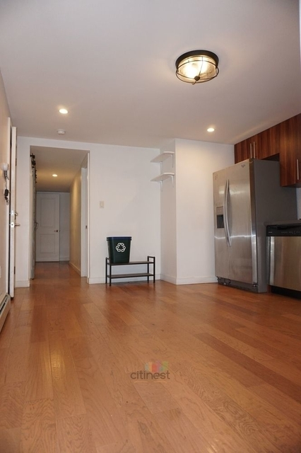 3 Bedrooms, Crown Heights Rental in NYC for $2,600 - Photo 2