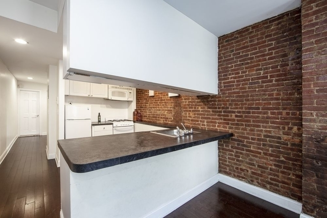 Studio, Hell's Kitchen Rental in NYC for $2,495 - Photo 2