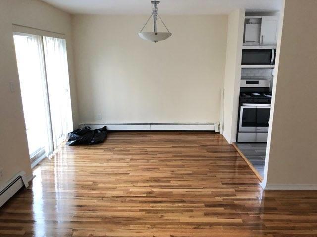 3 Bedrooms, Astoria Heights Rental in NYC for $2,800 - Photo 2