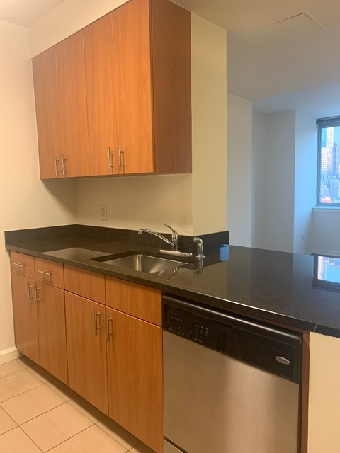 Studio, Theater District Rental in NYC for $3,336 - Photo 2