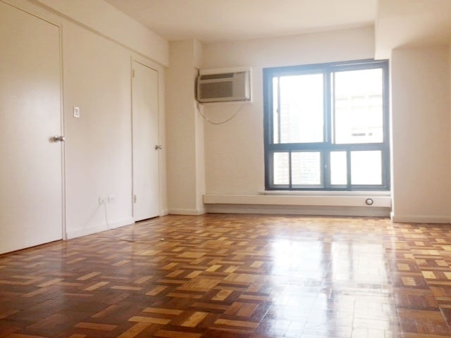 1 Bedroom, Turtle Bay Rental in NYC for $4,195 - Photo 2