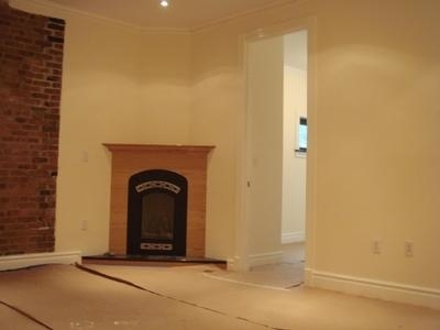 4 Bedrooms, East Village Rental in NYC for $5,000 - Photo 2
