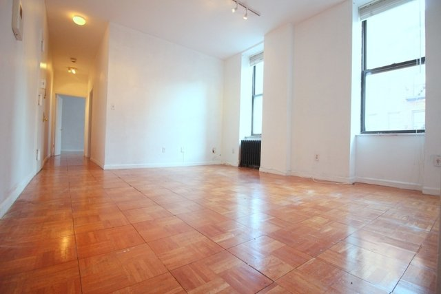 2 Bedrooms, Chelsea Rental in NYC for $3,913 - Photo 1