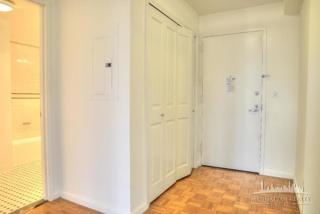 Studio, Hell's Kitchen Rental in NYC for $3,738 - Photo 2