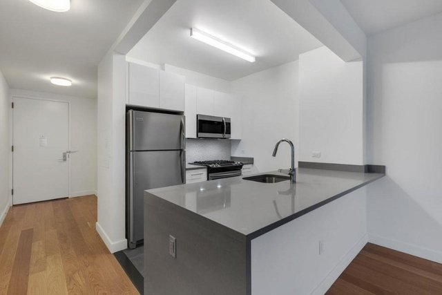 Studio, Hell's Kitchen Rental in NYC for $2,799 - Photo 2