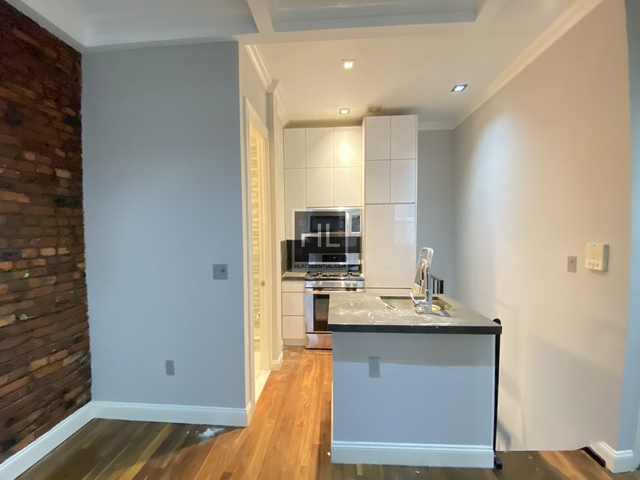 2 Bedrooms, West Village Rental in NYC for $5,125 - Photo 2