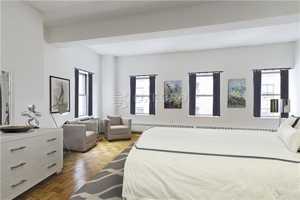 2 Bedrooms, Chelsea Rental in NYC for $5,800 - Photo 2