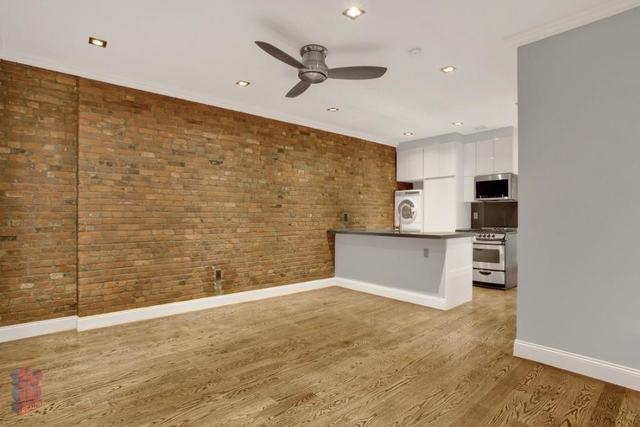 4 Bedrooms, Hell's Kitchen Rental in NYC for $3,995 - Photo 1