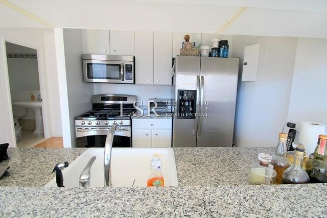 1 Bedroom, Battery Park City Rental in NYC for $4,011 - Photo 2