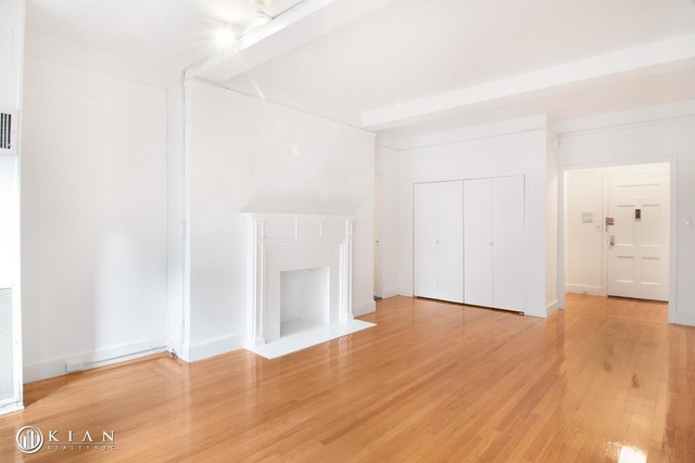 Studio, Theater District Rental in NYC for $3,425 - Photo 2