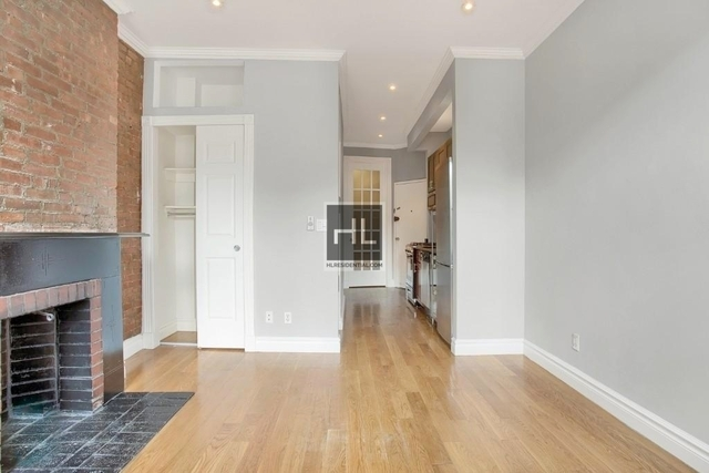 2 Bedrooms, West Village Rental in NYC for $4,425 - Photo 1