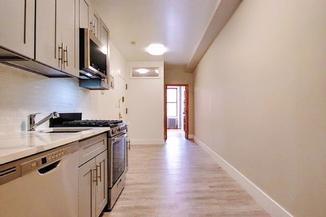 2 Bedrooms, East Village Rental in NYC for $3,900 - Photo 2