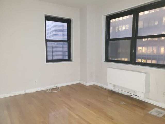 4 Bedrooms, Turtle Bay Rental in NYC for $5,300 - Photo 2
