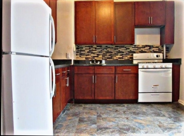 2 Bedrooms, Inwood Rental in NYC for $2,410 - Photo 2