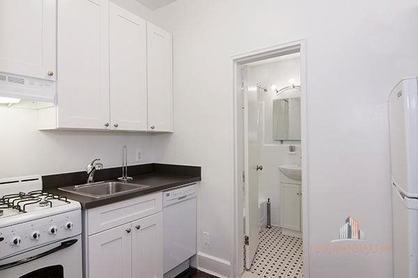 1 Bedroom, Lenox Hill Rental in NYC for $4,500 - Photo 2