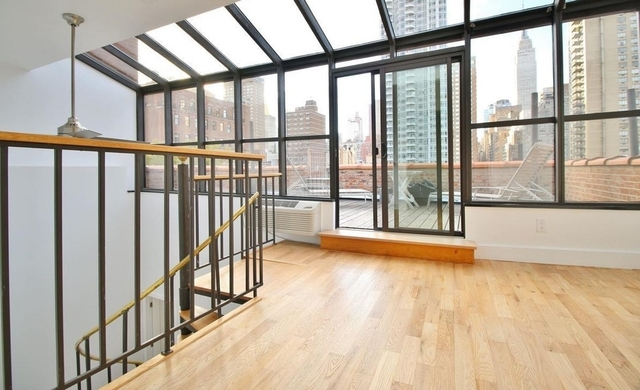 3 Bedrooms, Rose Hill Rental in NYC for $6,218 - Photo 2